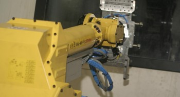 2006 - The first Fanuc robot makes its appearance at Vullings